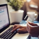 Entrepreneurs : pourquoi opter pour une banque en ligne ?