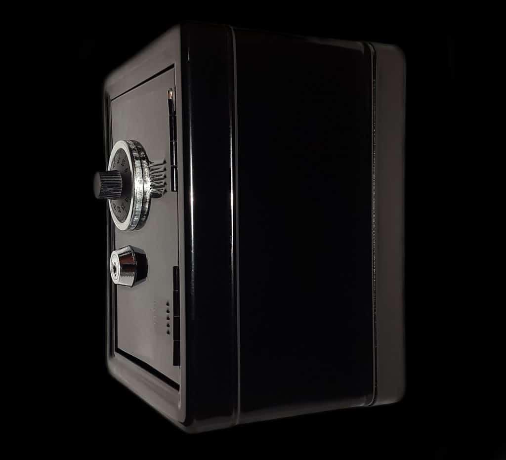 Comment ouvrir un coffre-fort à combinaison mécanique?