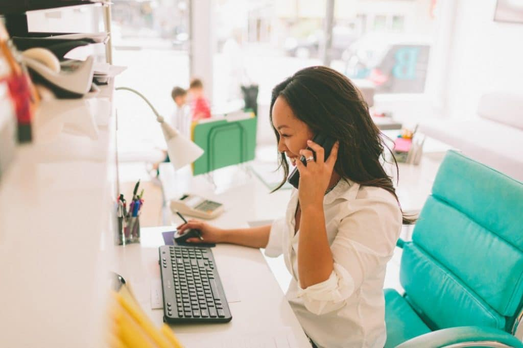 Conseil : en plus du mail, appelez directement votre contact principal