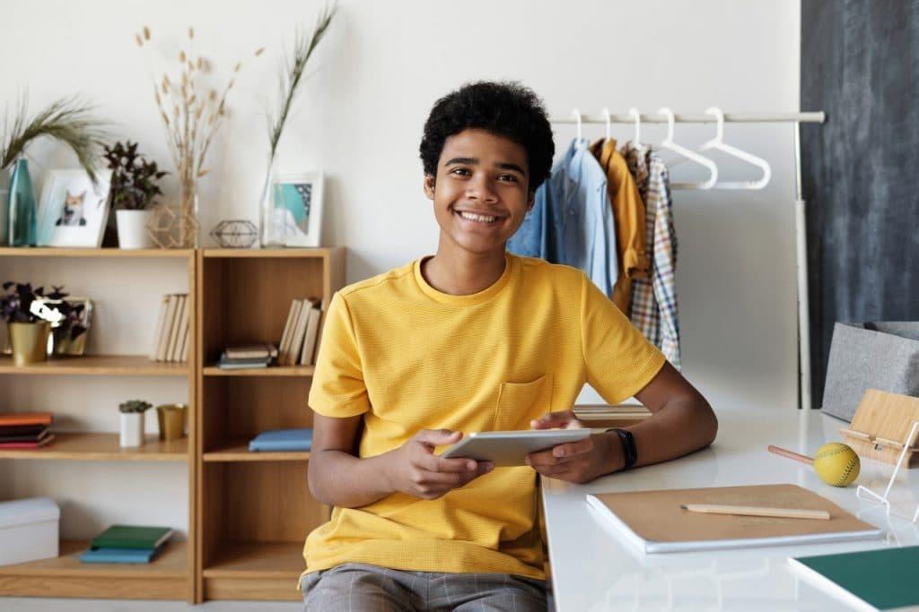 Cas concret : comment déclarer mon fils aux impôts ?