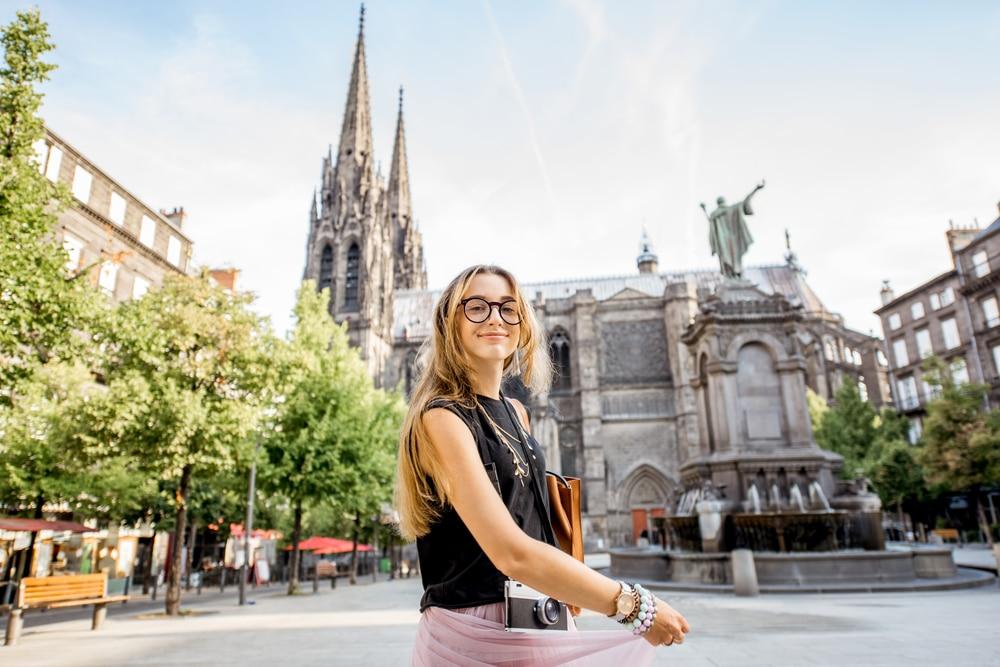 Se loger à Clermont-Ferrand quand on est étudiant : studio ou résidence universitaire ?